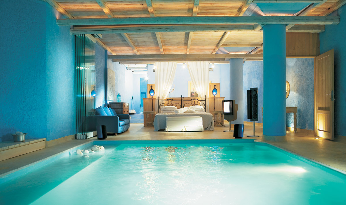 pool in bedroom