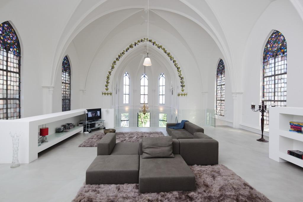 Residential church XL by Zeec Architecten 02