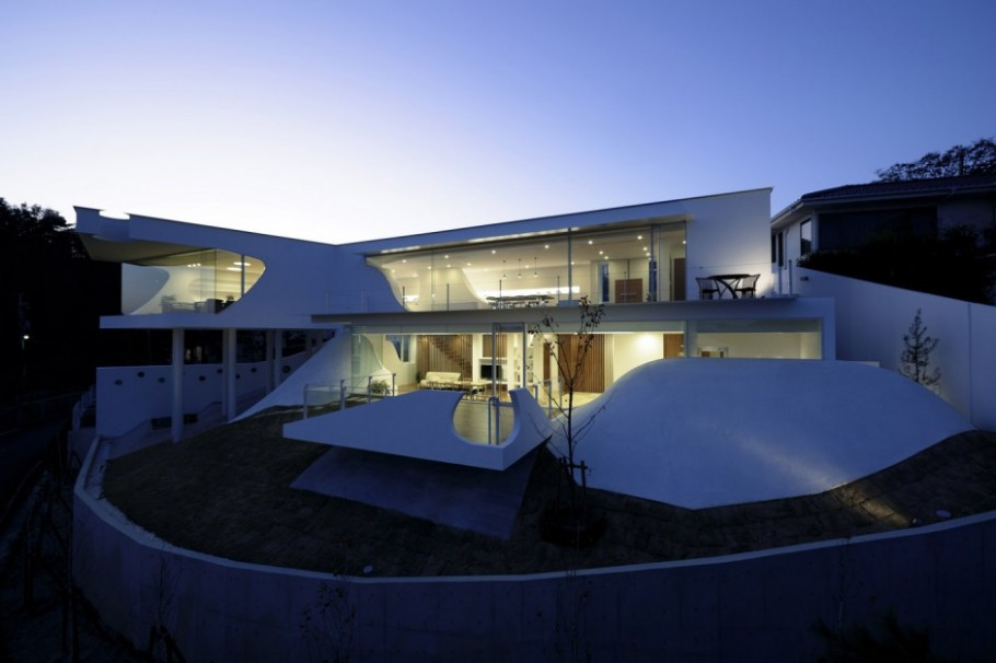 Luxury House in Japan by Eastern Design Office 01