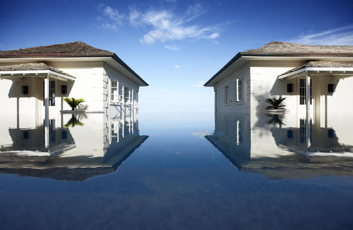 Two house in infinity pool