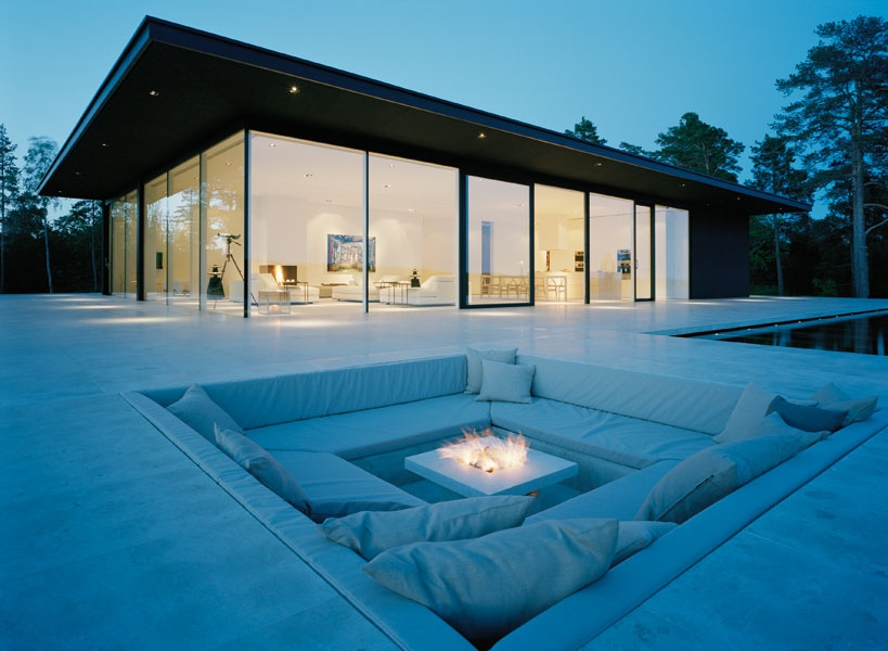 Conversation Sunken Outdoor Sitting Areas  With Fire Pit.