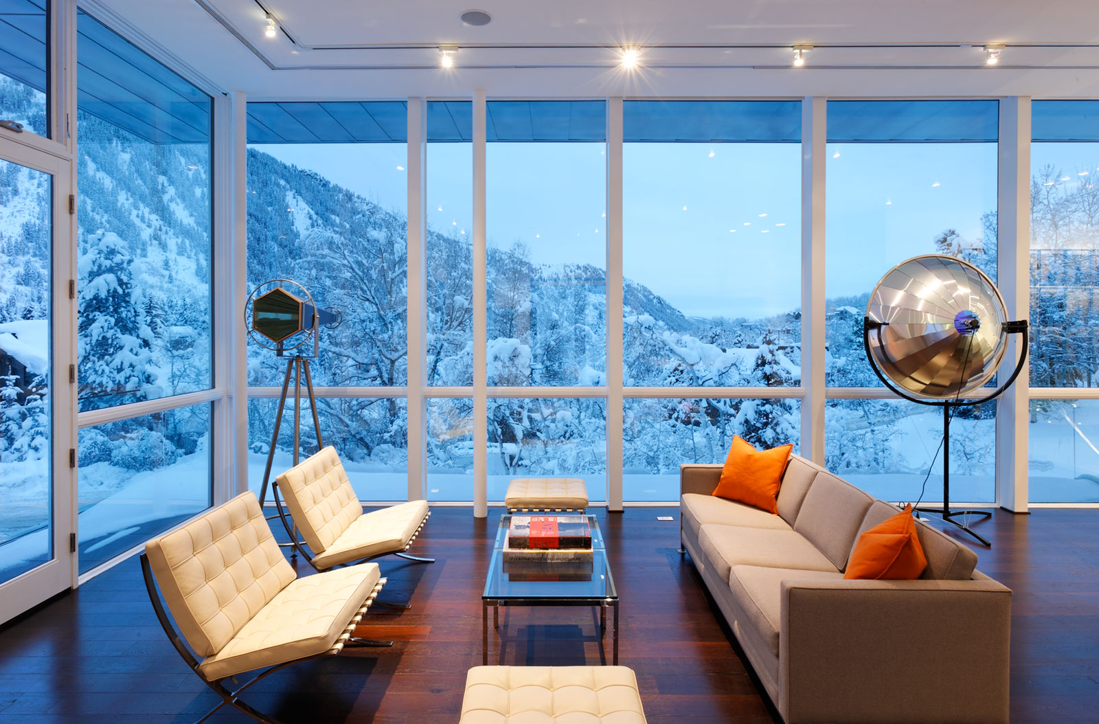 Modern Open Plan Living Design In Aspen Residence By Studio B ...