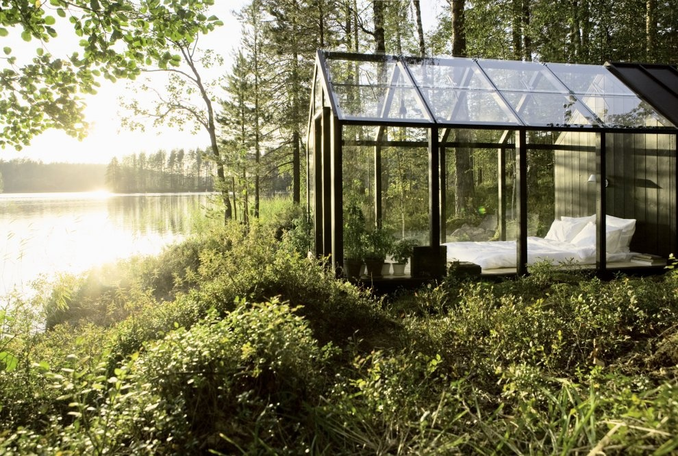 garden-shed-by-helsinki-architect-ville-hara-extra-bedroom-at-designer-linda-bergroths-summer-cottage