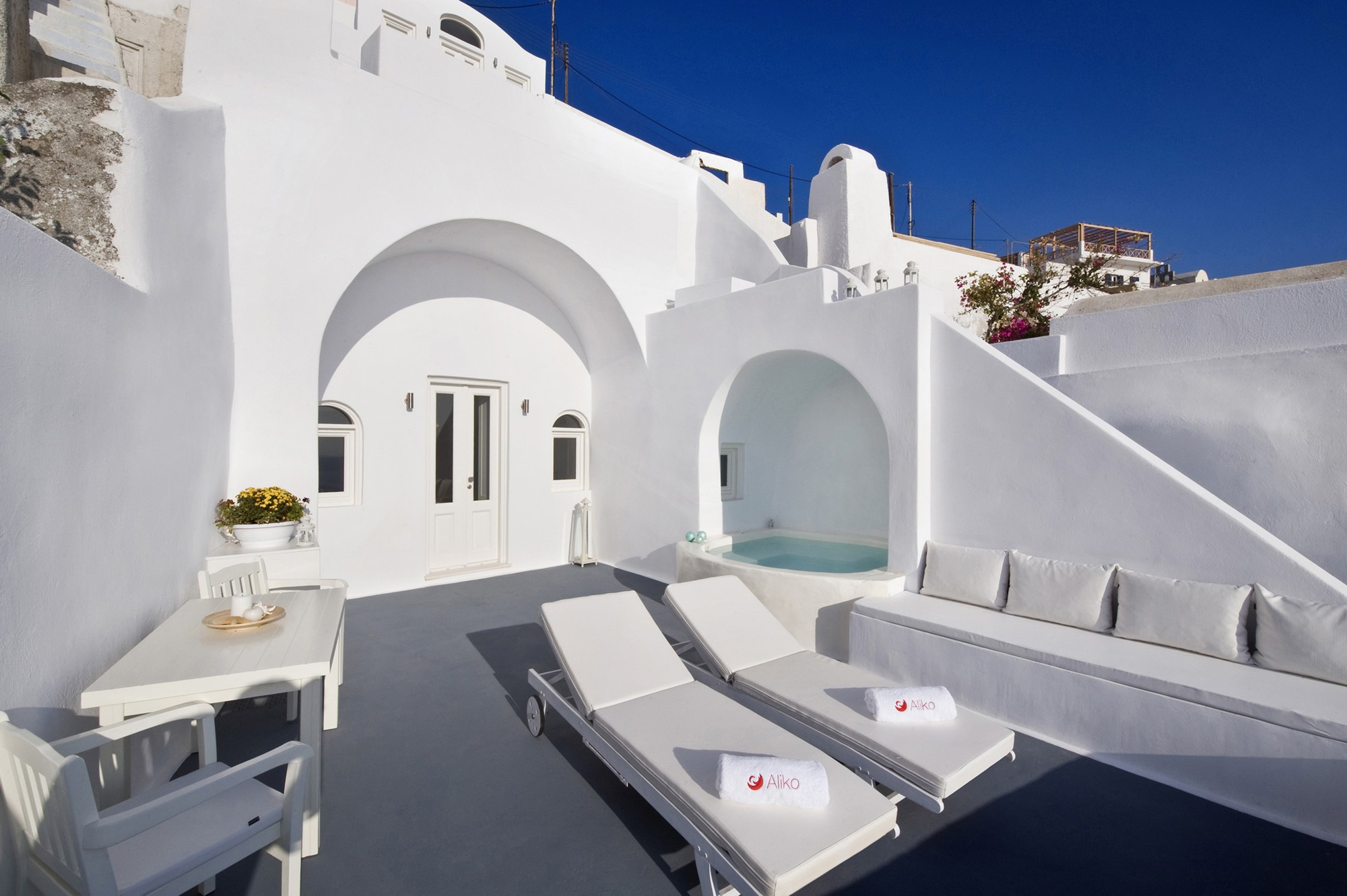 Greek architecture wonderful terrace with small pool do - Casas espectaculares ...