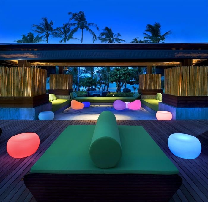 outdoor design with colored lights 2 myhouseidea. Black Bedroom Furniture Sets. Home Design Ideas