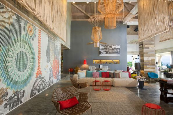 Colorfull living interior design idea