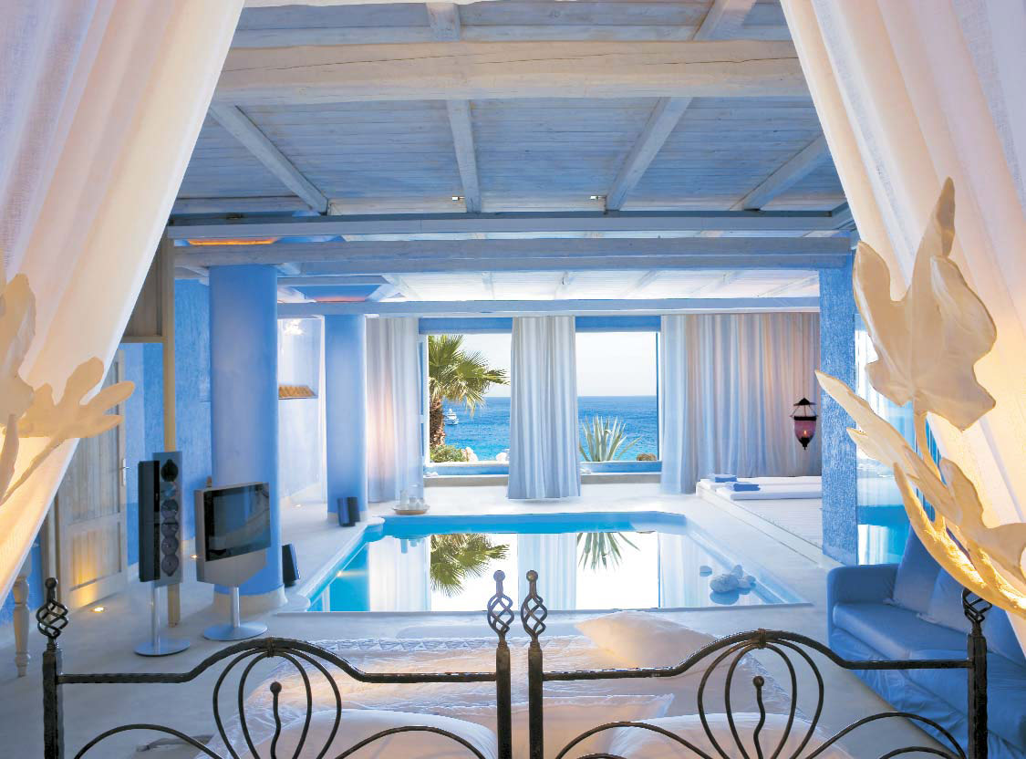bedroom with pool and sea view, one of the best way to wake up in the morning, are you agree