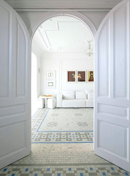 white apartament in Barcelona 01