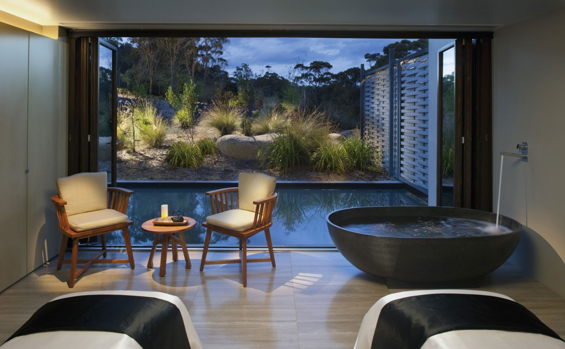 Saffire, luxury coastal sanctuary on Tasmania' East Coast in Australia