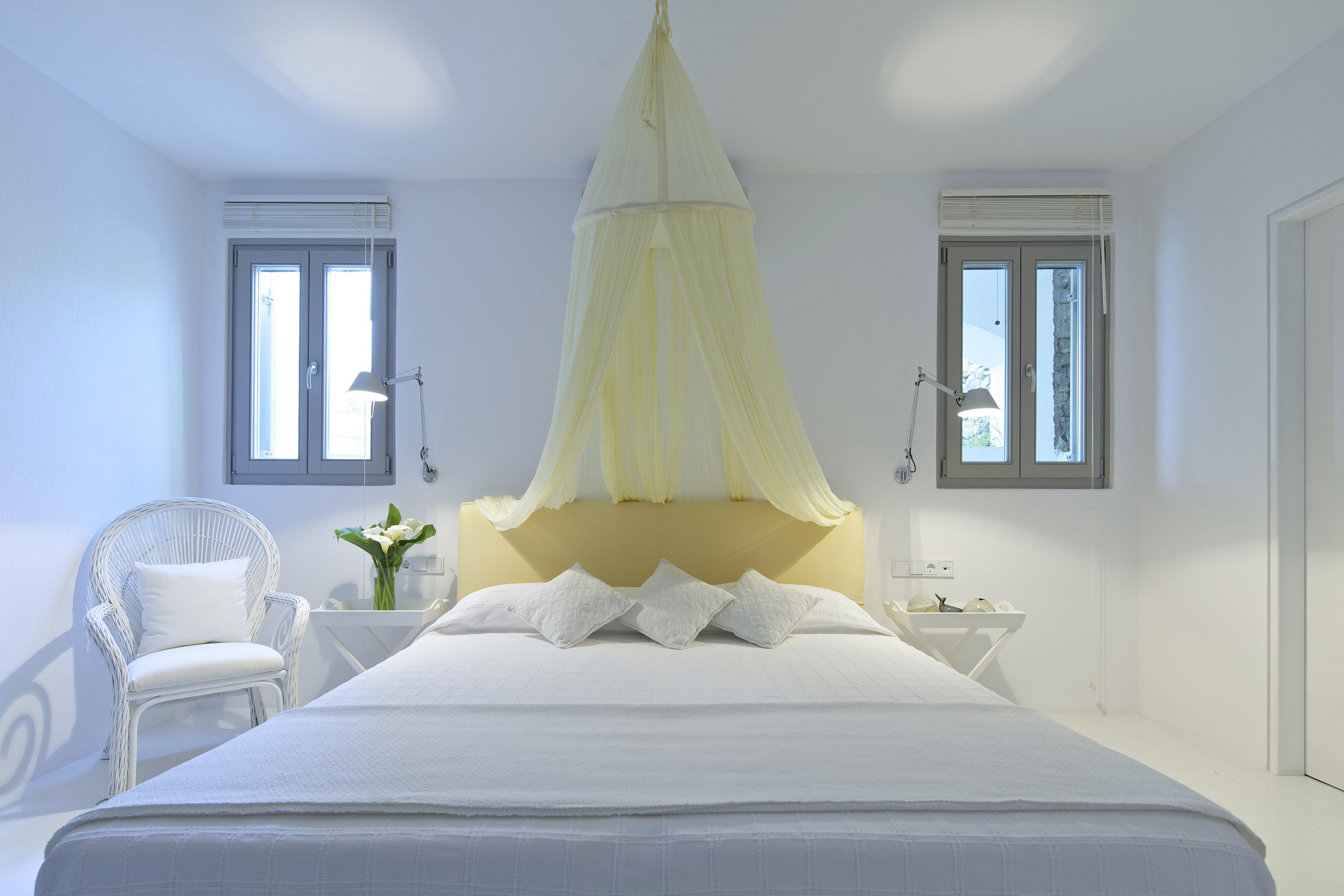 Villa dafni mykonos 52 myhouseidea for Greek bedroom decor