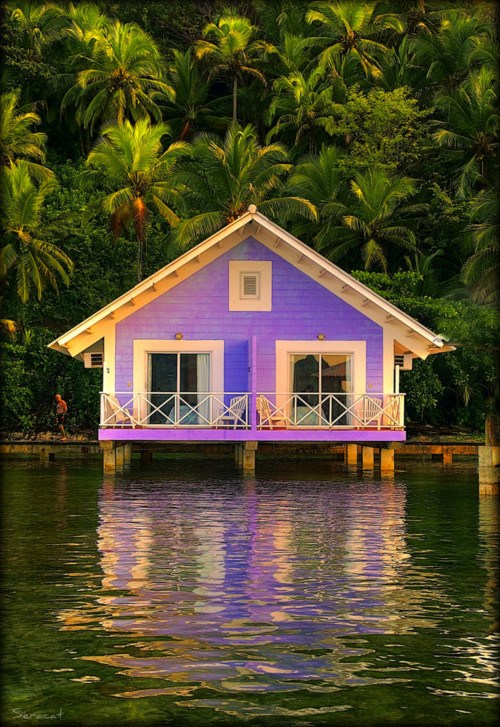 wonderful-lake-house