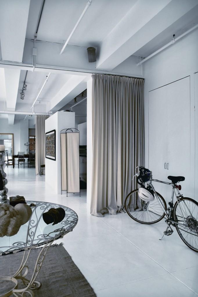 Amsale Aberra's Loft in New York By Vicente Wolf 04