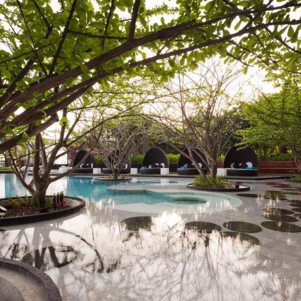 hilton-pattaya-hotel-chonburi-thailand-01