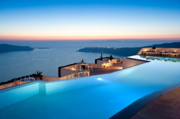 infinity-pool-in-grace-santorini-hotel-by-divercity-and-mplusm-architects