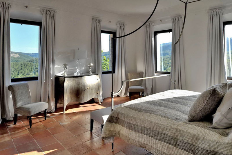 Castello di reschio luxury italian villa for rental for Hotel design umbria