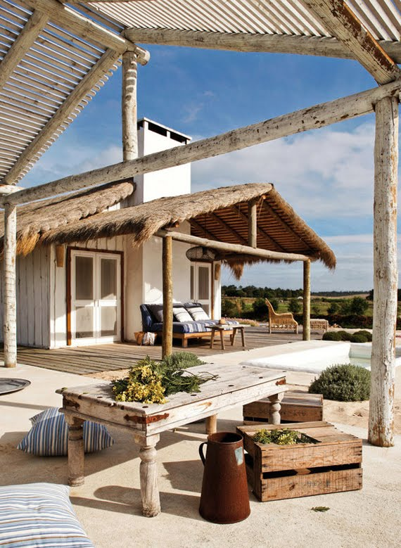 Decordemon summer beach house in portugal for Summer beach decor