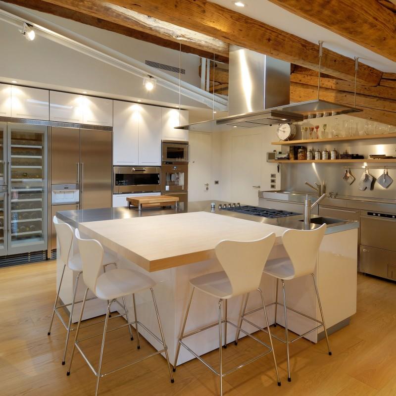 Italian private penthouse by menzo architettura design for Architettura design
