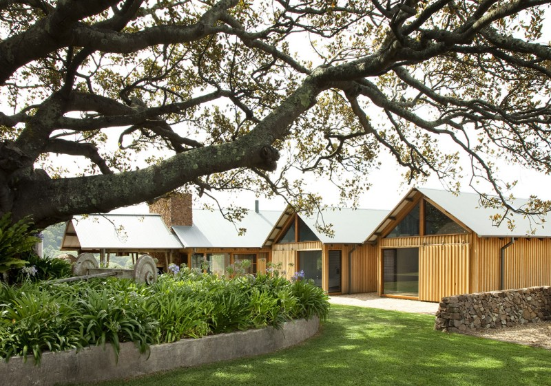 Jamberoo Farm House by Casey Brown Architecture 07