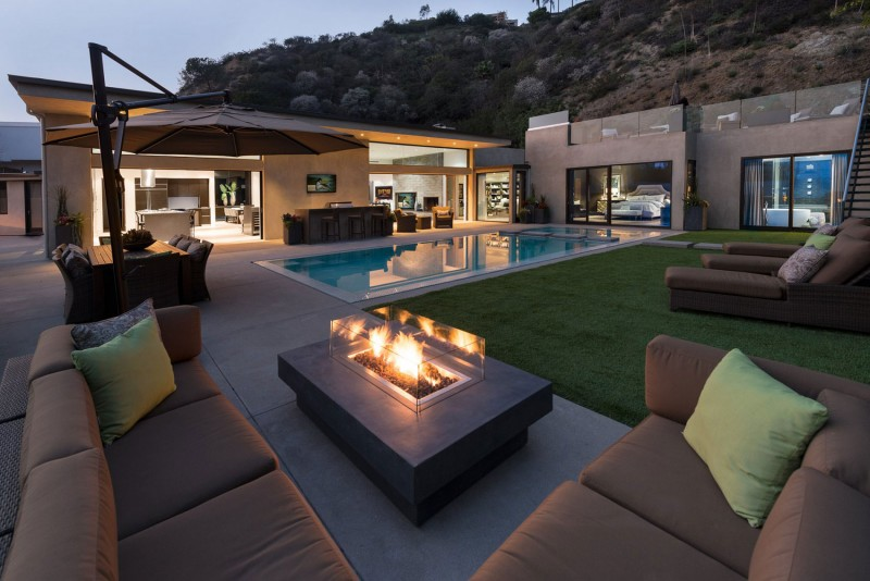 Wallace Ridge by Whipple Russell Architects 01