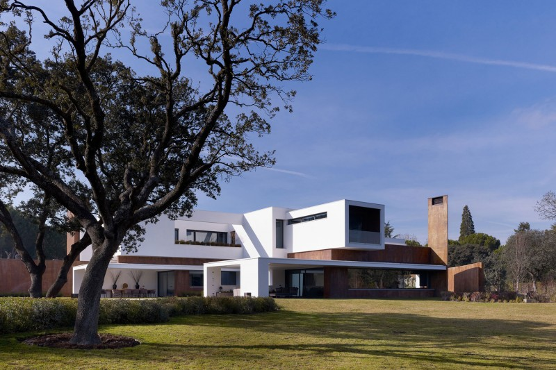 House in La Moraleja by Dahl Architects + GHG Architects 12