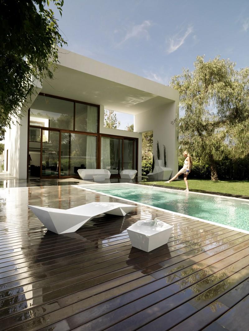 House in Rocafort by Ramon Esteve Studio 03