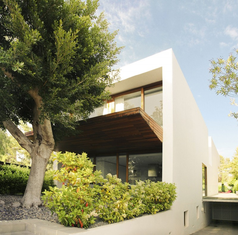 House in Rocafort by Ramon Esteve Studio 07
