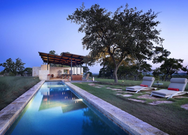 Story Pool House by Lake Flato 03