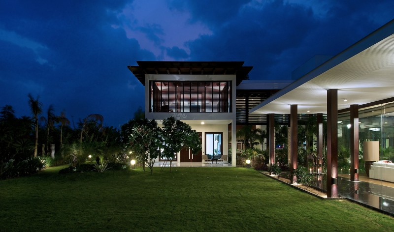 The Frill House by Hiren Patel Architects 02