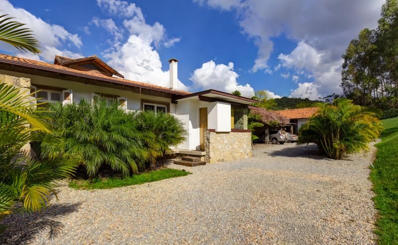 Casa Fazenda by Helena Teixeira Rios e Jacques Rios 19