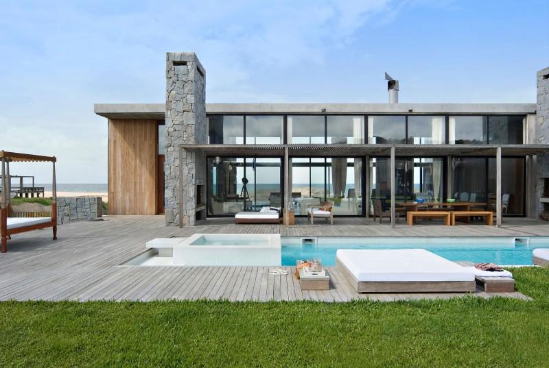 La Boyita Residence by Martin Gomez Arquitectos 01