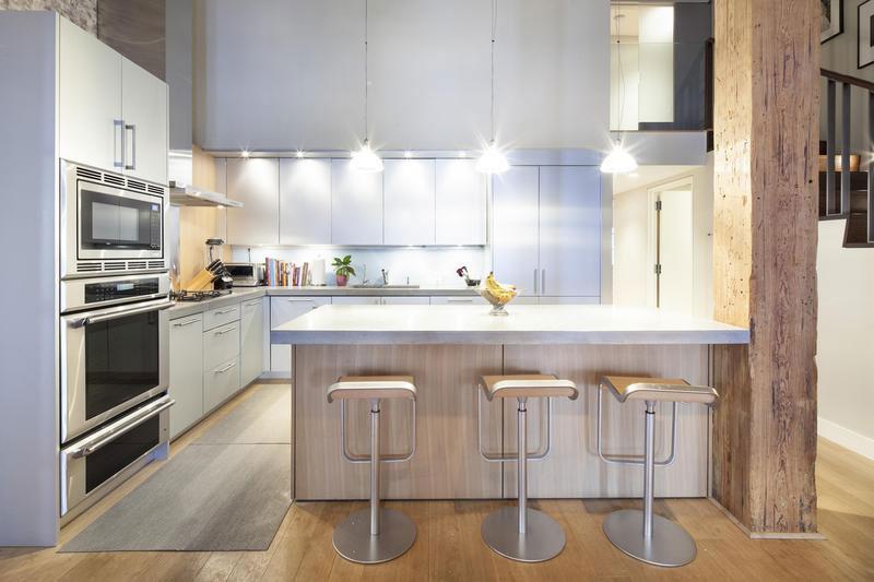 Loft in hudson park tribeca 06 myhouseidea for New york loft kitchen design
