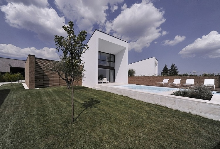 Double house in Civita Castellana by Romano Adolini 05