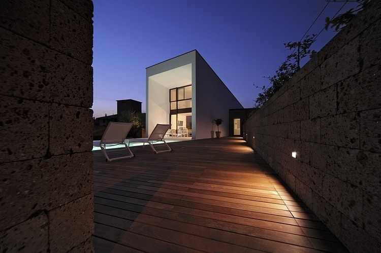 Double house in Civita Castellana by Romano Adolini 10