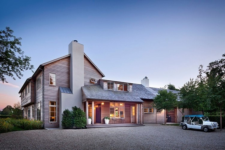Hamptons Modern Barn by John Hummel & Associates 01