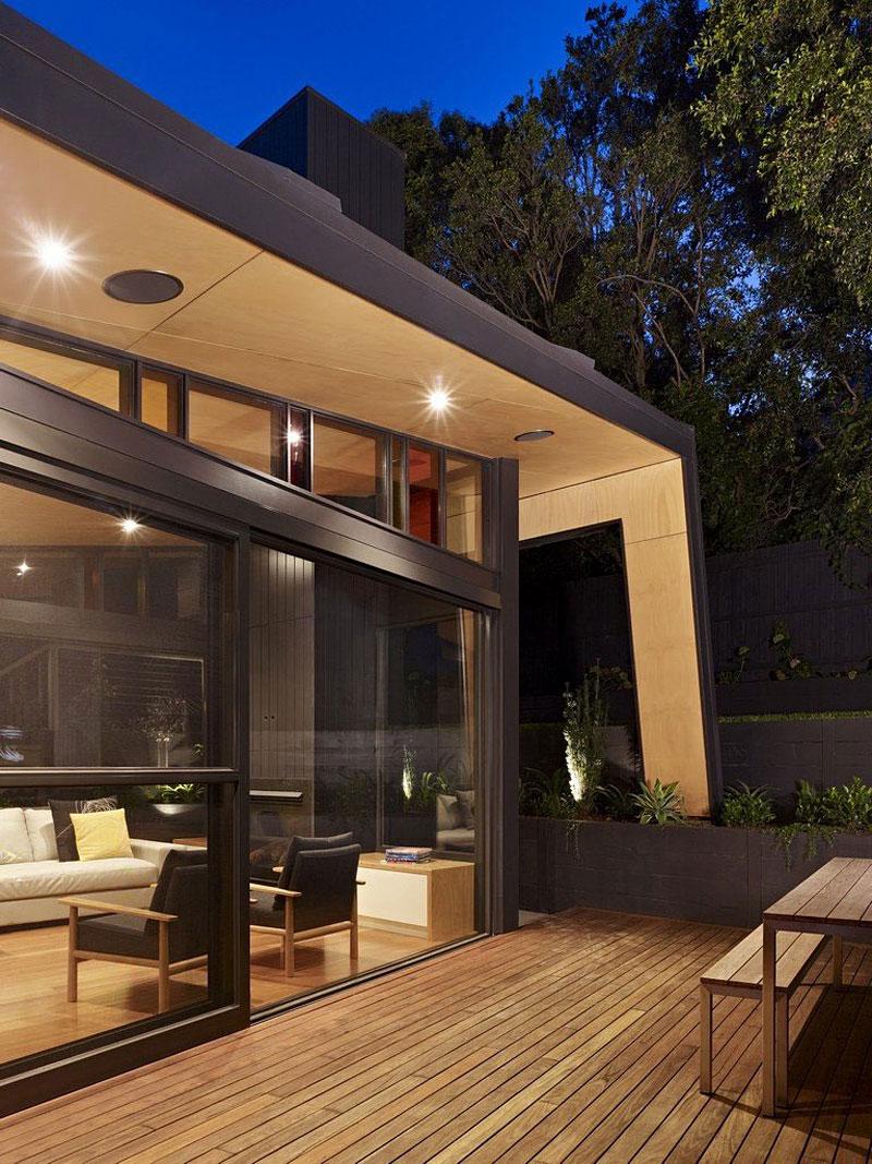 Kew House by Nic Owen Architects 02