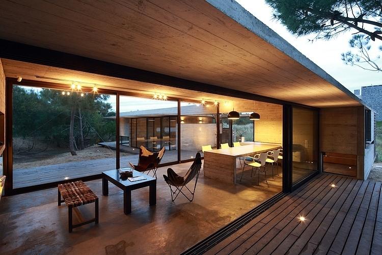Carassale House by BAK Arquitectos 01