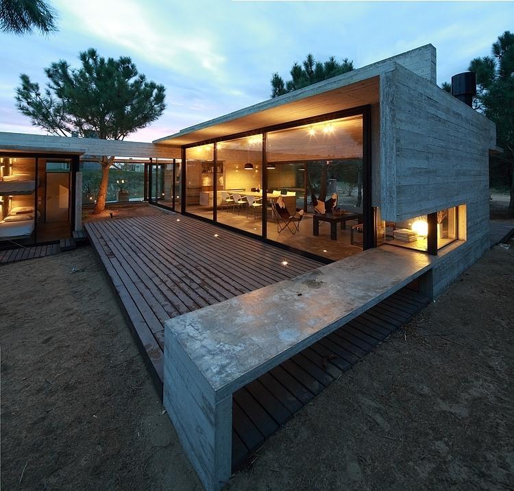 Carassale House by BAK Arquitectos 02