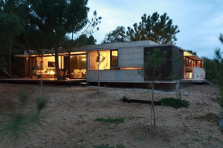 Carassale House by BAK Arquitectos 03
