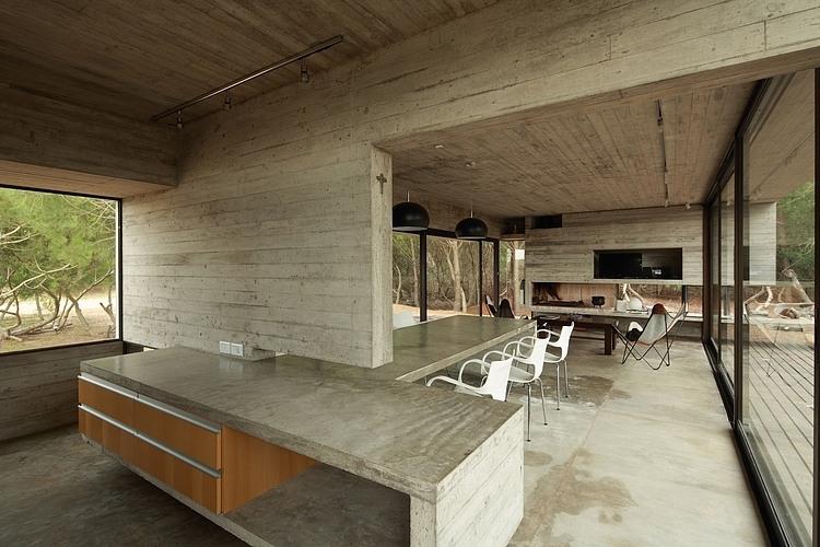 Carassale House by BAK Arquitectos 05