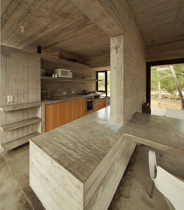 Carassale House by BAK Arquitectos 07