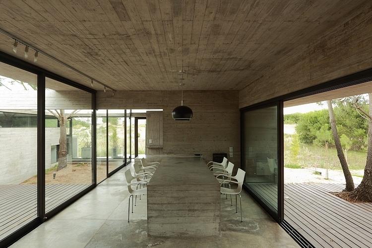 Carassale House by BAK Arquitectos 08