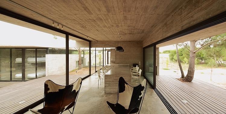 Carassale House by BAK Arquitectos 09