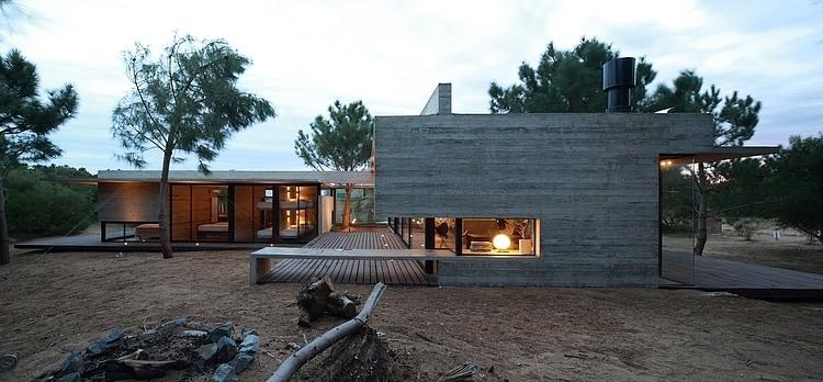 Carassale House by BAK Arquitectos 10