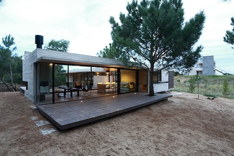 Carassale House by BAK Arquitectos 11