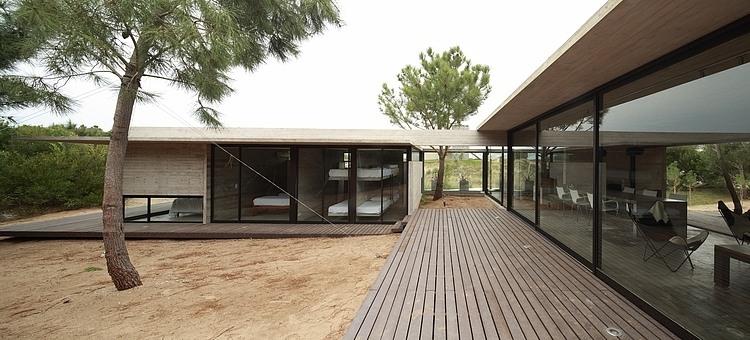 Carassale House by BAK Arquitectos 12