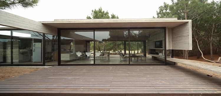 Carassale House by BAK Arquitectos 13