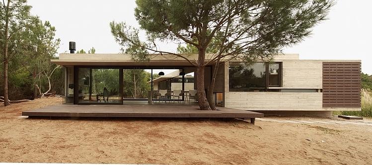 Carassale House by BAK Arquitectos 14