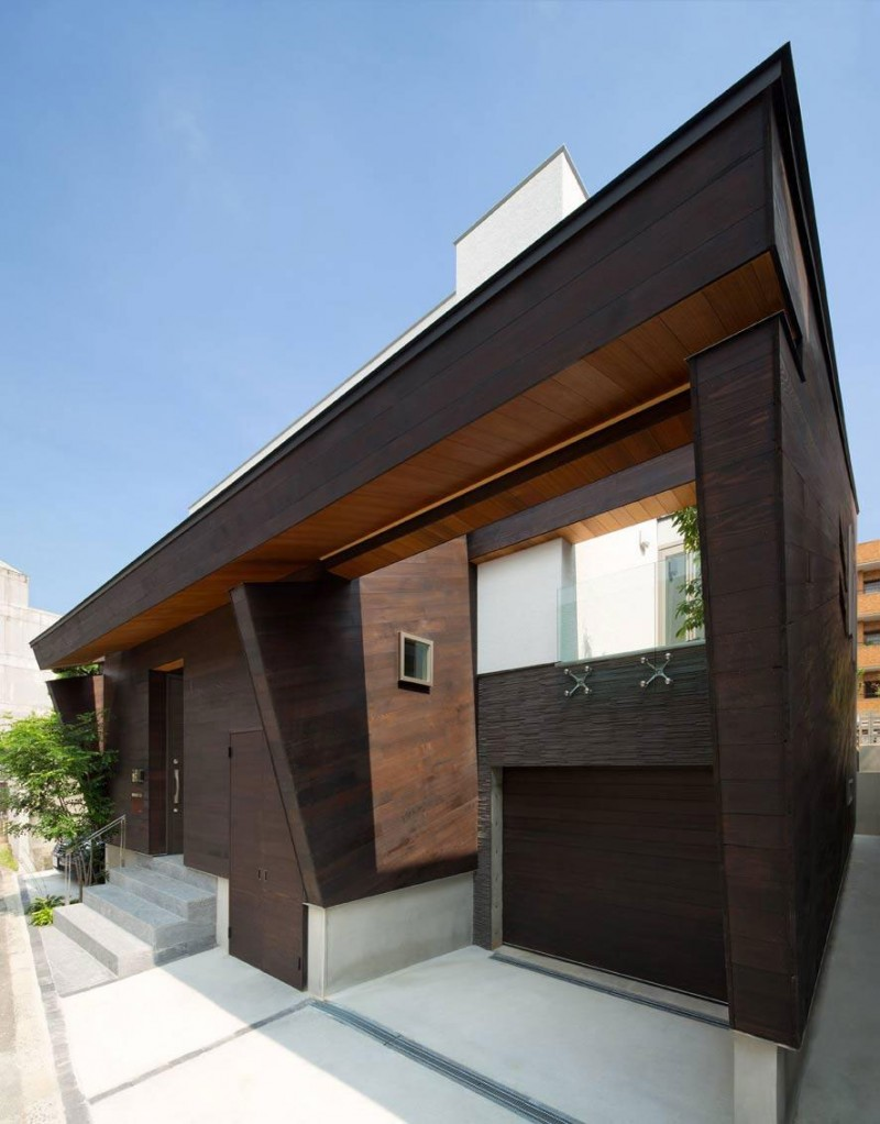 House of Corridor by Architect Show Co. 02