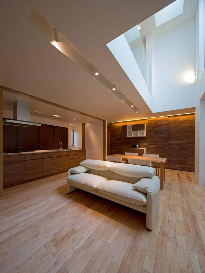 House of Corridor by Architect Show Co. 04