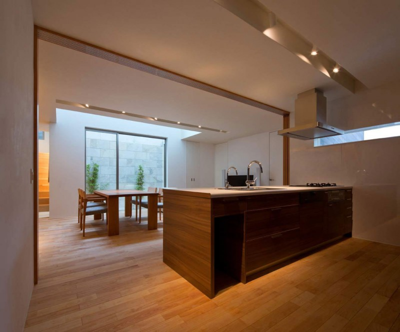 House of Corridor by Architect Show Co. 05